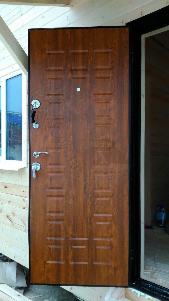 Входные деревянные двери для частного дома утепленные своими руками 407